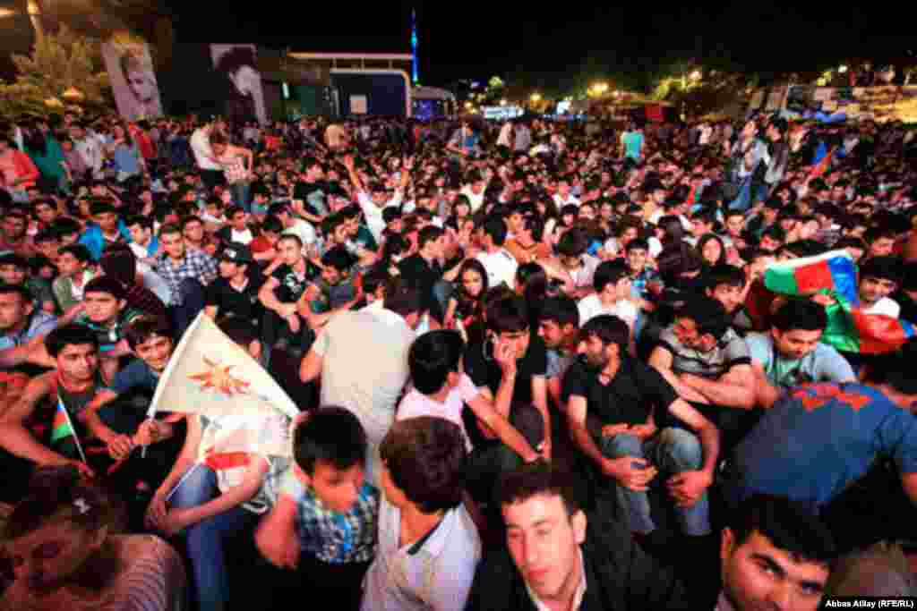 Music fans turned out in force in the streets of Baku to enjoy the party atmosphere while finalists from 26 countries competing in the 2012 Eurovision Song Contest.
