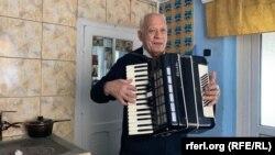 Neculai Rotaru a fost lăutar la viața sa însă pandemia l-a oprit din cântat