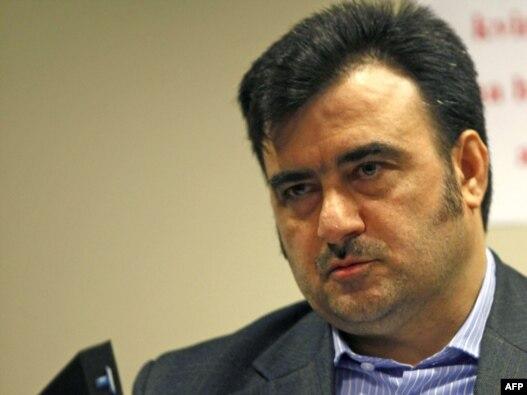 فرزاد فرهنگیان، دیپلمات مستعفی سفارت ایران در بلژیک