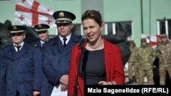 По мнению оппозиции, нападки на Анну Долидзе являются подтверждением существования в сфере правосудия закрытой клановой системы