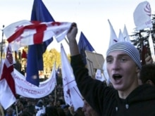 Georgia - Georgia's opposition supporter shouts during a rally in front of the parliament building in the center of Tbilisi, 04Nov2007