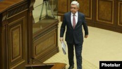 Armenia - Serzh Sarkisian is about to speak in the parliament before being elected Armenia's prime minister, 17 April 2018.