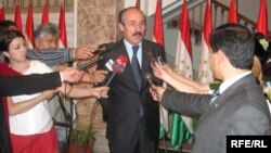 Ramazan Abdulatipov during his service as Russia's ambassador to Tajikistan in 2008. (file photo)