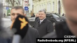 Президент України Петро Порошенко порадив звернутися у «Рошен» з питань фінансування реконструкції театру