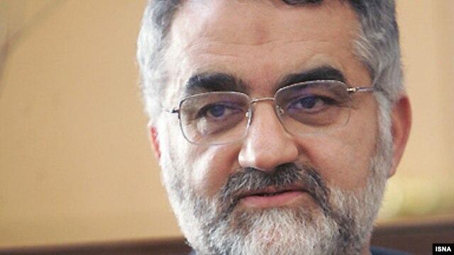 علاءالدین بروجردی، رئیس کمیسیون امنیت ملی مجلس در رأس این هیئت به سوریه سفر کرده است.