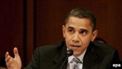 سناتور باراک اوباما و از امیدهای ریاست جمهوری حزب دمکرات. عکس از خبرگزاری (EPA).