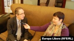 Willy Claes în dialog cu Valentina Ursu