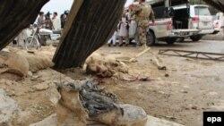 Pamje pas një shpërthimi të mëhershëm në Pakistan
