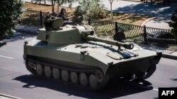 Самохідно-артилерійська установка проросійських бойовиків у Донецьку, 15 серпня 2014 року