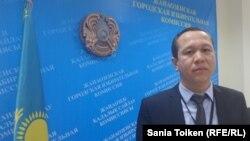 Ізбасар Орынбеков, Жаңаөзен қалалық сайлау комиссиясы төрағасының орынбасары. 16 наурыз 2016 жыл