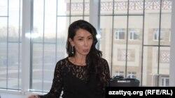 Динара Кудайкулова, бывший юрист компании «Норд», подавшая заявление в суд. Астана, 13 сентября 2016 года.