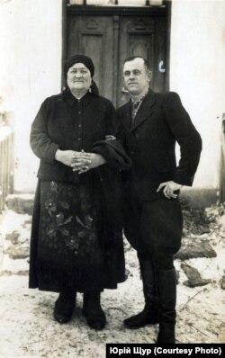 Василь Пастушенко з мамою