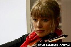 Violonista canadiană Luanne Homzy la Musikmesse Frankfurt