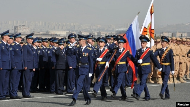 Armenia - Russian Air Force officers march at an airfield in Yerevan, 18Oct2013.