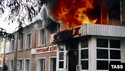 """Пожар в ухтинском """"Пассаже"""" 11 июля 2005 года унес жизни 25 человек"""
