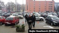 Dragan Čavić prije predaje krivičnih prijava u ime Saveza za promjene