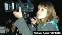 Студентка снимает кино. Алматы, 23 октября 2012 года.
