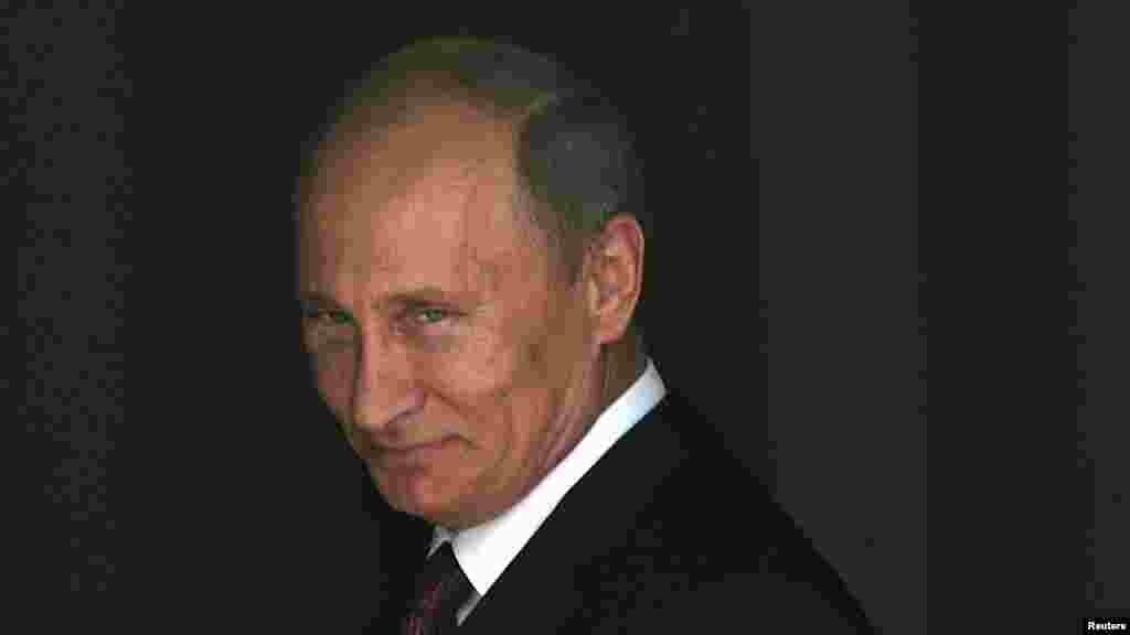 """Ставшая, по сути,каноническойцифра – 86% поддерживаюших Путина – на самом деле устарела еще в июне 2015 года, когдапо данным опроса """"Левада-центра""""рейтинг одобрения деятельности президента России достиг 89%"""