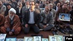 خانواده کشته شدگان جنگ ایران و عراق