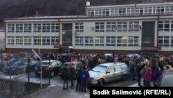 Protest roditelja djece bošnjačke nacionalnosti u Srebrenici