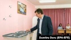 Fostul primar Dorin Chirtoacă la vot la 20 mai 2018
