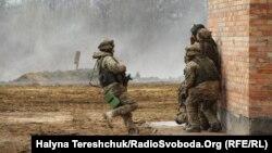 Тренування бійців «Чорних запорожців» на Яворівському полігоні
