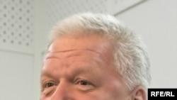 Михаил Шмаков не дает забывать о том, что он - просоюзный лидер