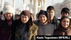 Студенческая молодежь Алматы. Иллюстративное фото.