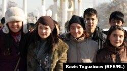 Алматы жастары. 11 қараша 2011 жыл. (Көрнекі сурет)