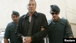 Геннадий Петров во время задержания на Мальорке в 2008 году