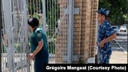 В настоящее время Гульнара Каримова, по данным узбекских властей, содержится в женской колонии в Зангиатинском районе Ташкентской области.