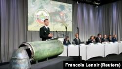 Спільна слідча група доповідає про підтверджену роль Росії у збитті літака рейсу MH17, Бюннік, Нідерланди, 24 травня 2018 року