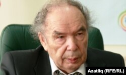 Индус Таһиров
