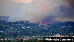 Požar u okolini Los Anđelesa (arhivska fotografija)