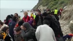 Мигрантите и натаму пристигнуваат на грчките острови