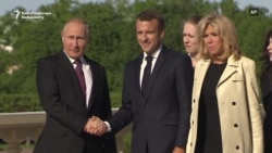 Macron Meets Putin in St. Petersburg
