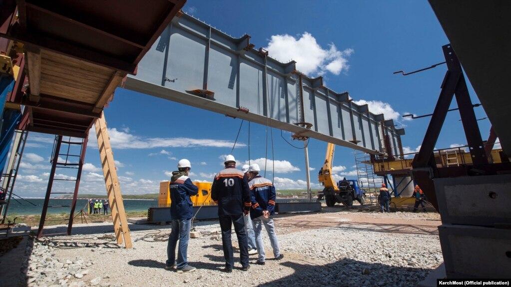 фотохроника строительства керченского моста сторона луны