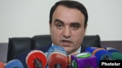 Armenia -- Orinats Yerkir Party leader Artur Baghdasarian gives a press conference at the party's head office in Yerevan, 9 July 2014