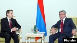 Armenia -- President Serzh Sarkisian (R) meets with Sergei Naryshkin, chief of Russian President Dmitry Medvedev's staff, 29Nov2010.