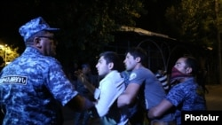Armenia - Police detain protesters on Khorenatsi Street in Yerevan, 29Jul2016.