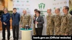 На презентацію монети «Захисникам Донецького аеропорту» запросили і самих героїв