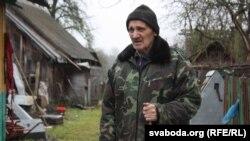 Жыхар вёскі Зыбайлы Івацэвіцкага раёну Васіль Нікіціч