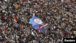 Собрание на площади Тахрир 20 апреля 2012 года - с требованием продолжать демократические реформы
