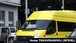 К 2012 планируется заменить новыми микроавтобусами все остальные маршрутные такси столицы