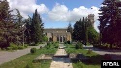 Здание музея Сталина в Гори
