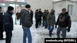 Рабочыя «Граніту» чакаюць рэакцыі начальства на папярэджаньне аб страйку.