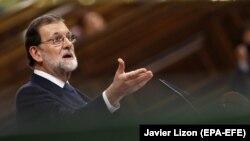 """Rajoy poručio Puigdemontu da se """"ponaša razumno"""""""