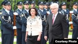 Fotografi arkivi e presidentes së Kosovës, Atifete Jahjaga dhe homologut kroat, Ivo Josipoviq