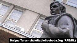 Пам'ятник Володимирові Івасюку у Львові
