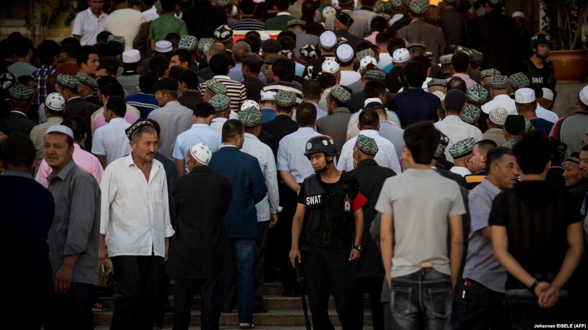 Активисты заявляют, что установили около 500 тюрем для уйгуров в Китае